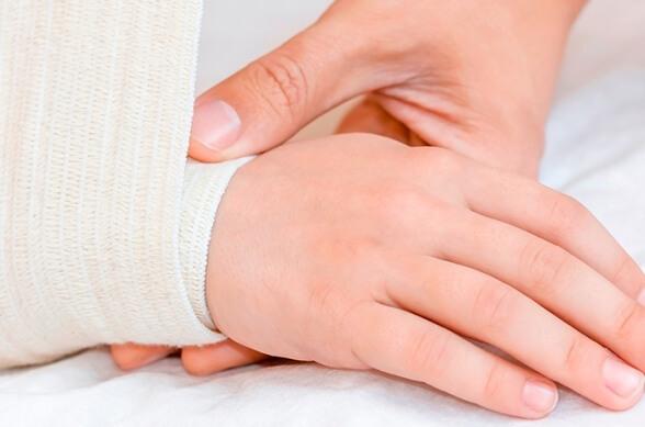 Зуд при атопическом дерматите. Как помогает влажное обертывание